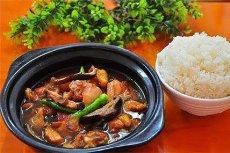 最近大火的黄焖鸡米饭究竟哪